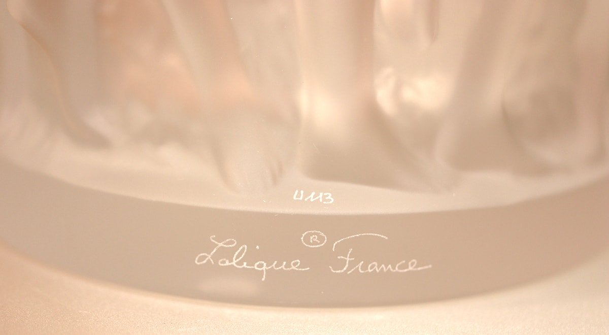 Signature-Lalique-vase-Bacchantes