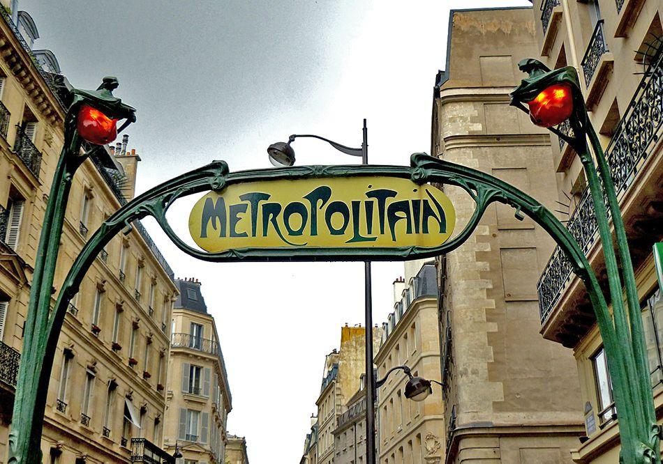 métropolitain hector guimard au style art nouveau