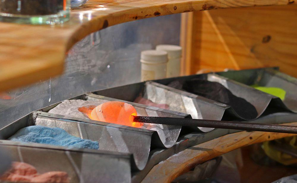 oxydes metalliques pour colorer le cristal