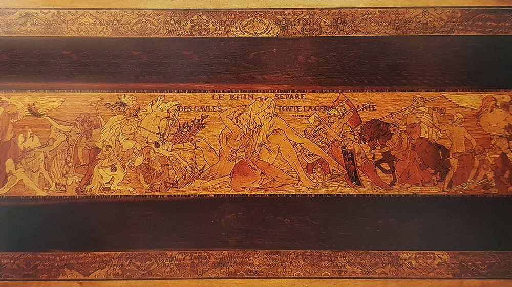 marqueterie de la table le Rhin d'emile galle et victor prouve