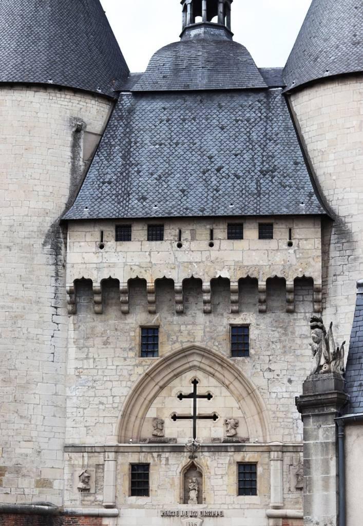 porte de la craffe Nancy, croix de Lorraine