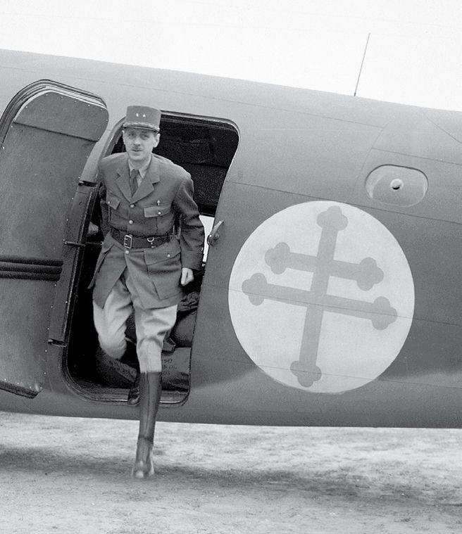 archive general de Gaulle avec la croix de Lorraine