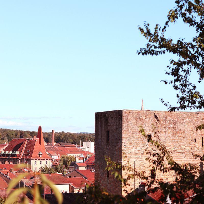 tour des voues de la ville de baccarat construite en 1303
