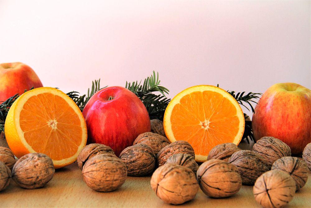 orange noix pomme cadeau traditionnelle de noel
