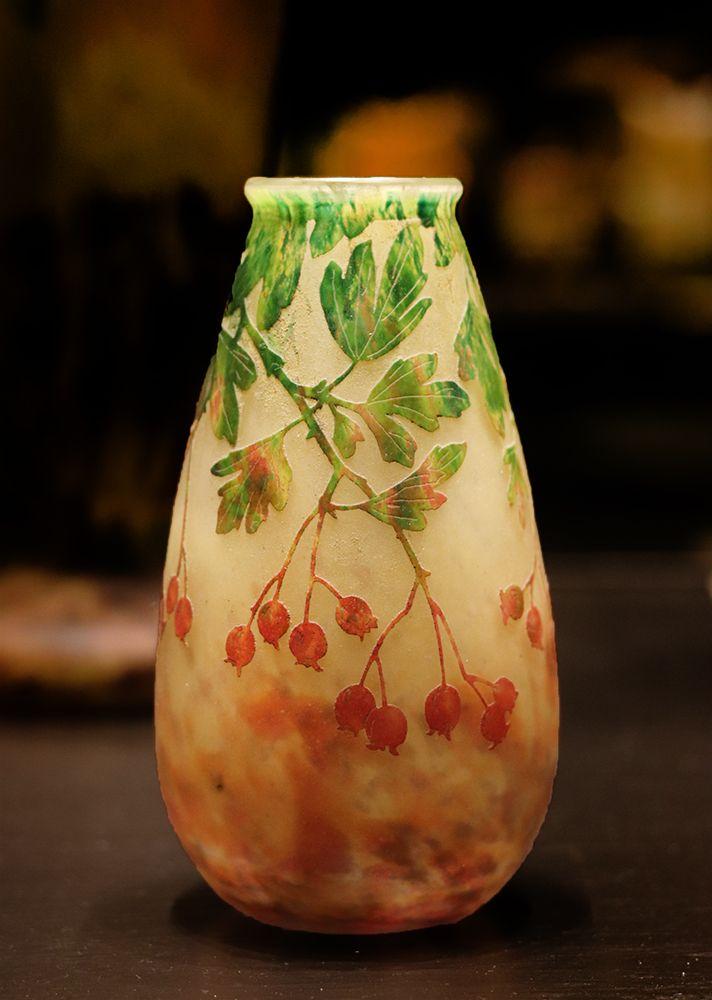 Vase Baiesad'ubepine Daum au musée des Beaux Arts de Nancy