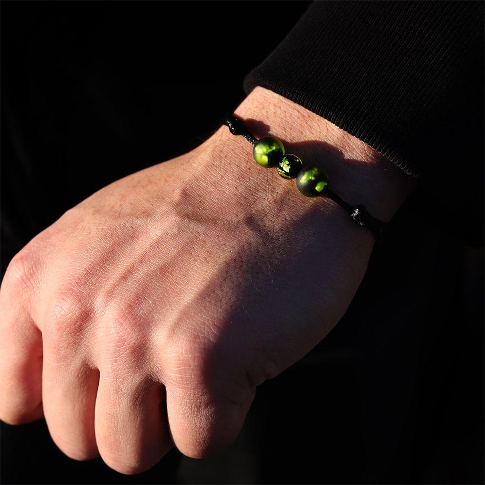 bracelet en verre perles de couleur verte michael vessiere