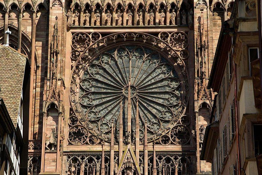 visiter-alsace-cathedrale-de-strasbourg