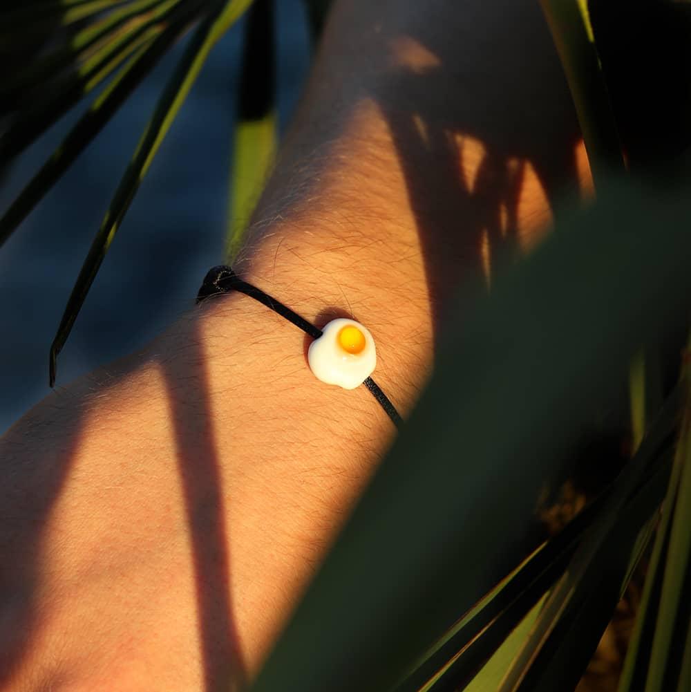bracelet-bonbon-oeuf-au-plat-michael-vessiere