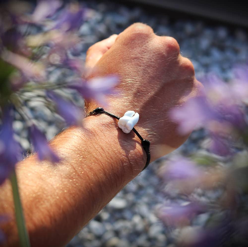 bracelet molaire en verre qui porte bonheur