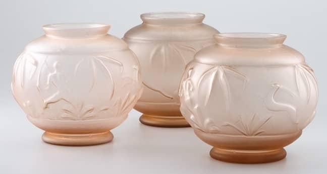 Vases boules à décor de chasse