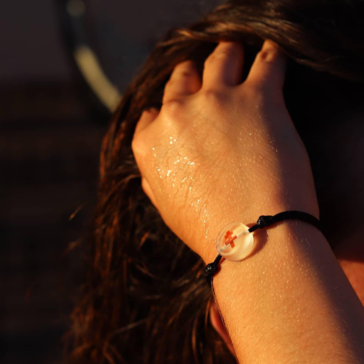 bracelet-croix-lorraine-incolore