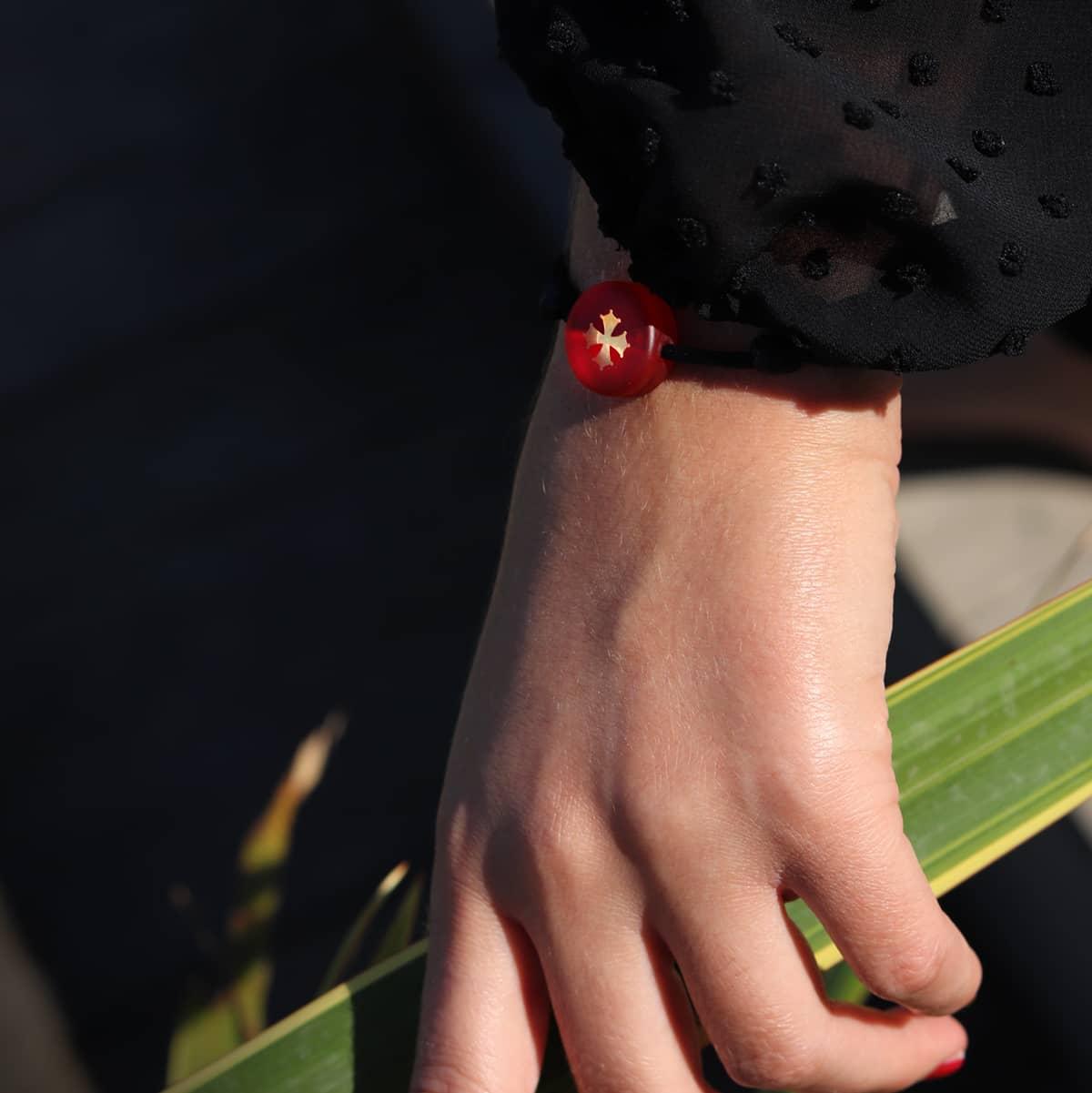 bracelet-croix-occitane-rouge-michael-vessiere