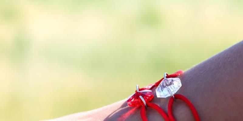 M-V-bracelet-cristal-rouge